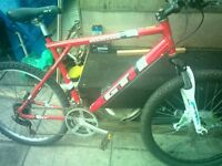 GT mans moutin bike for salè needs a lil TLC only 60 oto