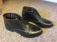 Mens elegant black shoes UK 10