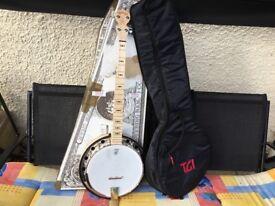 Deering goodtime 2 resonator banjo and case