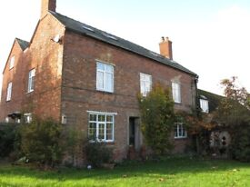 Country Farm House - Private floor with bedroom, bathroom and lounge, bills all inc.