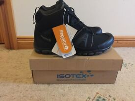 Apocalypse 2 Soft Shell boots - Size 9 - New in box
