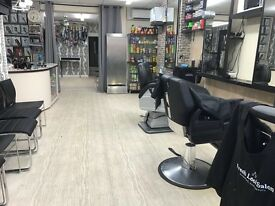 Barber, Afro hairdresser and nail technician wanted