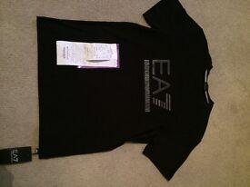 Armani men's t-shirt (small)