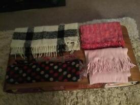 4 x scarves