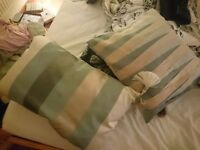 2 Cushions brand new