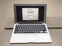 MacBook Air 11 inch, Mid 2013, 1.3GHz Intel Core i5, 4GB 1600 MHz DDR3