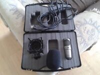 Red5 R6 Cardioid Condenser Microphone With Case Muffler Cradle Stand and XLR