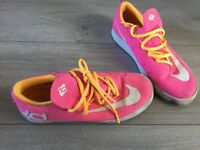 Nike trainers pink size 4