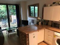 ^^^VINTAGE MUST SEE EXTRA SPACIOUS DOUBLE ROOM NEXT TO STATION £670 PM SW19^^^