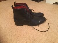 Men's black brogue style lace up leather ankle boots size 9