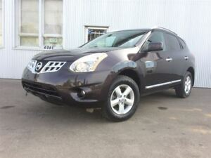 2013 Nissan Rogue SV, AWD, SUNROOF, BLUETOOTH.