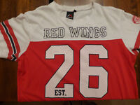 Red Wings t-Shirt - Large