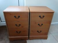 2 Bedside Cabinets with 3 Drawers * Very Good Condition*