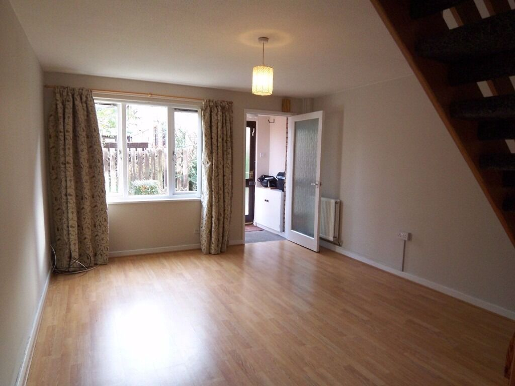 Unfurnished 2 bed semi with garden and free parking in Double Hedges Park, Liberton