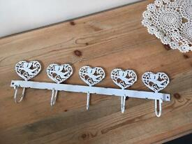 Row of 5 heart/cherub hooks