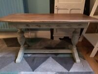 Shabby chic coffee table, really gorgeous detail