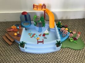 Playmobil swimming pool and children bedroom