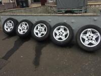 "Land Rover 18"" Mondial alloys and tyres"