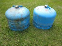 2 Campingaz 904 cylinders (empty)