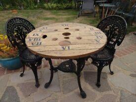 CAST IRON BRITANNIA TABLE WITH 2 CAST ALUMINIUM CHAIRS - GARDEN / PATIO SET -