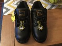 BRAND NEW DUNLOP LEATHER,STEEL TOE CAP SAFETY SHOES SIZE 11.COST £40 *****£18*****