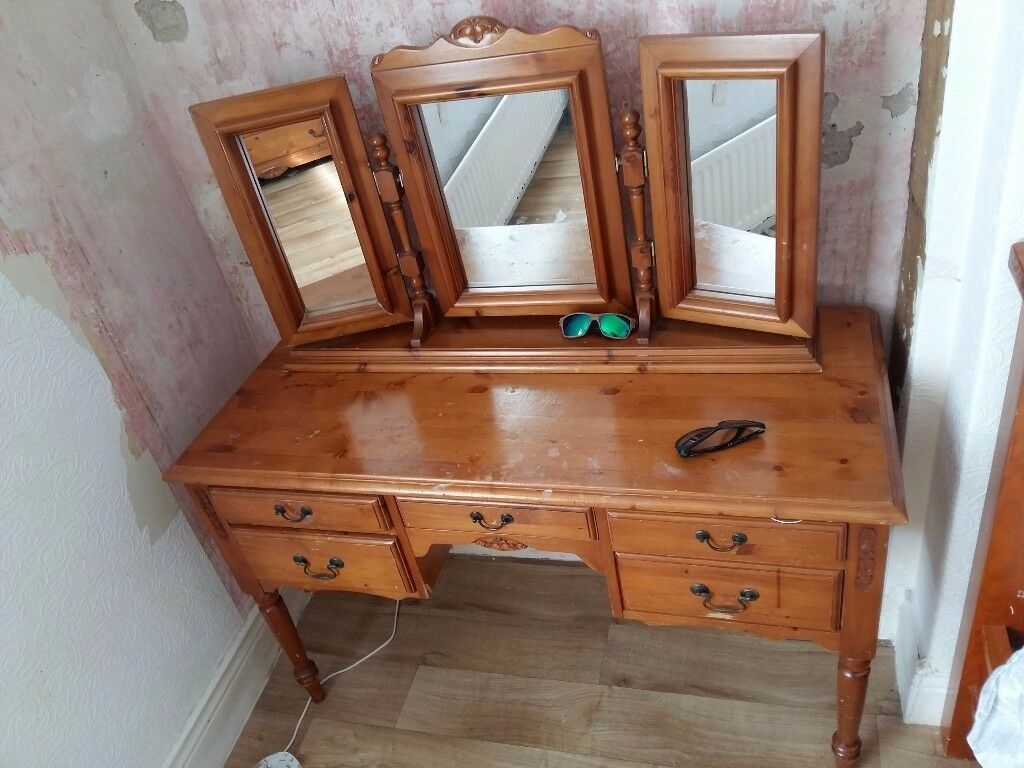 Vintage pine dressing table