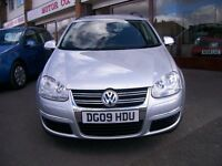 VOLKSWAGEN GOLF 'SE' TDi 140 ESTATE.48,455 MILES. FULL SERVICE HISTORY . FACTORY FITTED ROOF BARS.