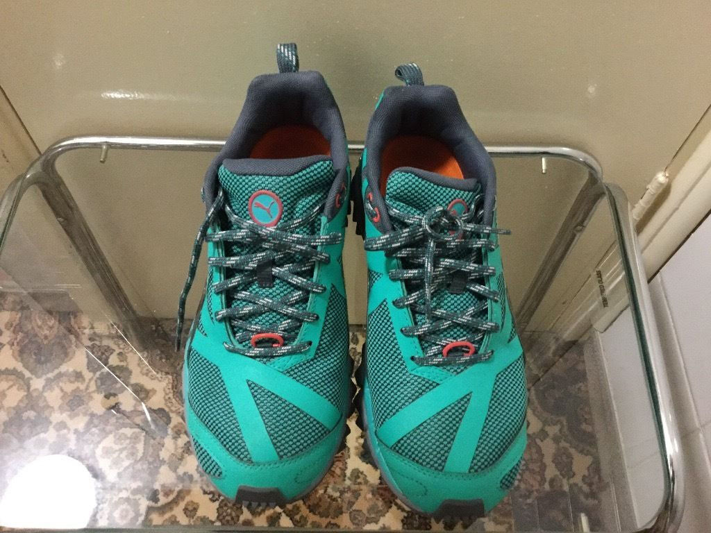 Brand new puma trainer in very good condition size 5