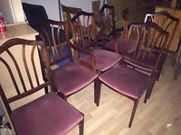 Mahogany extending dining table and 6 chairs (2 carver chairs)
