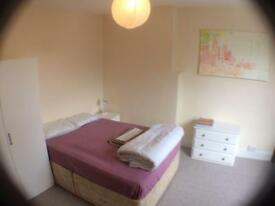 ROOM to RENT in FLAT DUFFIELD ROAD