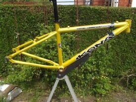 Lovely Classic Kona Nunu Aluminium Mountain Bike Frame Small