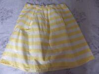 womens size 8 yellow/white skirt