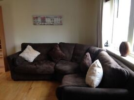 PART FURNISHED SPACIOUS 1 BEDROOM FLAT TO RENT IN GALASHIELS £325 PER MONTH