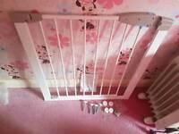 Lindam safety stair gate