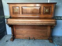 ***CAN DELIVER*** SMALL AND PRETTY 'CHAPPELL' UPRIGHT PIANO
