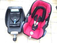 Excellent condition Maxi-cosi Cabriofix Car seat and Maxi-Cosi EasyBase 2