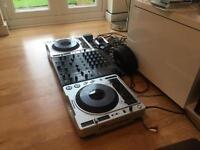 Pioneer cdj cdjs 800 mk2 (pair) behringer djx750 mixer and Traktor Scratch emulator hardware