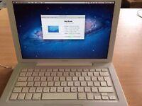 MacBook 13-inch 2.4GHz intel Core 2 Duo, 4GB - Ram, 160 - HD £165