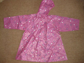 BEAUTIFUL LIGHT WEIGHT PINK RAINCOAT age 2-3 - IMMACULATE CONDITION! Ideal for this weather!