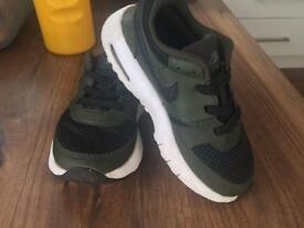 Air Max trainers boys