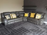 Large Leather Recliner Corner Suite with drinks holders and TV R/Control Lid