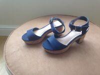 Womens denim blue denim fabric sandals size 4