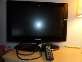 """SAMSUNG LE22B450C4W 22"""" LCD TV WITH REMOTE - In Excellent Condition"""