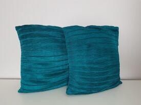 2 cushions.