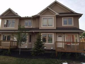 3 Bedroom 2 bath DOWNTOWN Townhouse, $1600 -