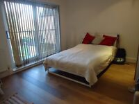 Refurbished 2 dble bedroom first flr unfurnished flat located close to Shortlands train stn.