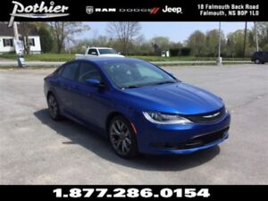 2016 Chrysler 200 S FWD   LEATHER   SUNROOF   HEATED SEATS   REA