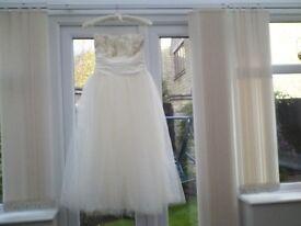 Wedding dress size 8 to 10