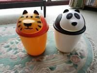 Childrens animal bin