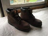 Walklander safety boots Uk size 9